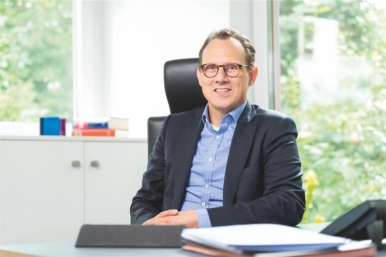 Dr. Stefan Buske